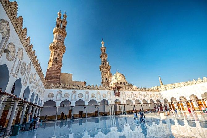 Mengapa Al-Azhar Masih Bertahan Kokoh?